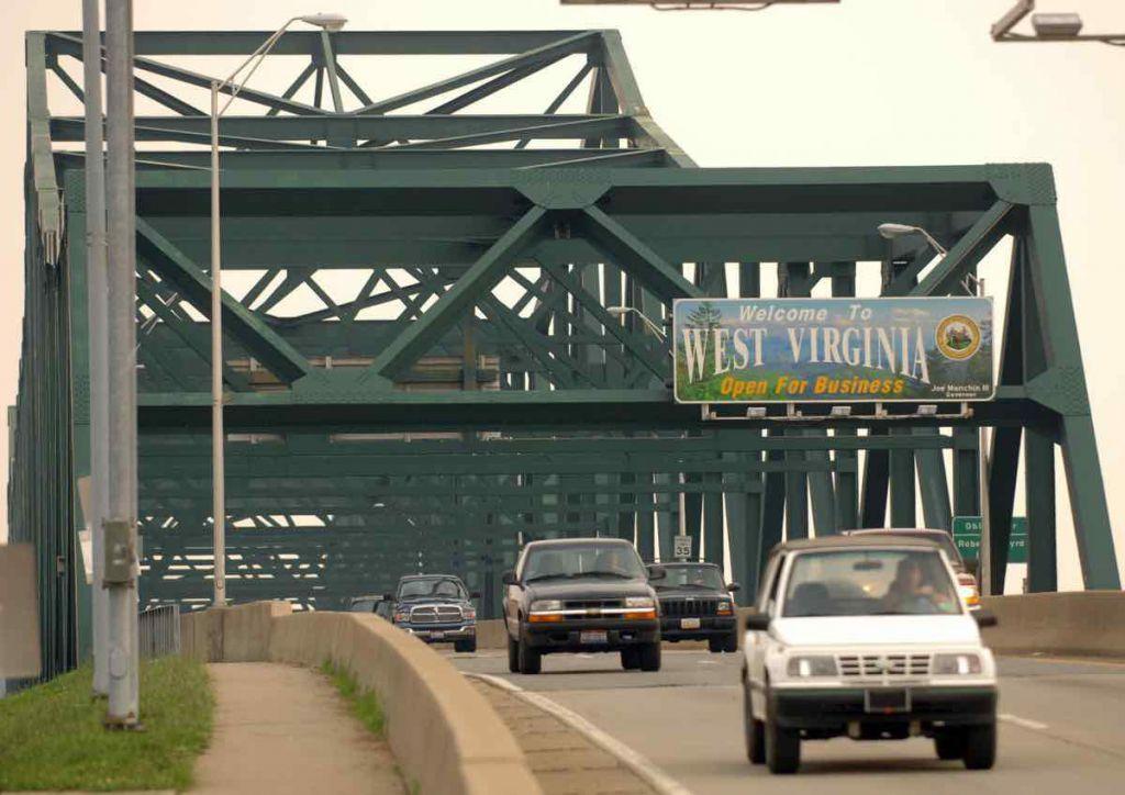Fun in Huntington - cross the 6th Street Bridge